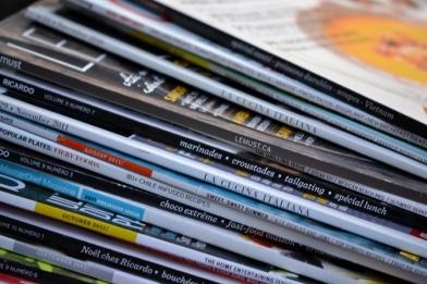 pile de magazines de cuisine