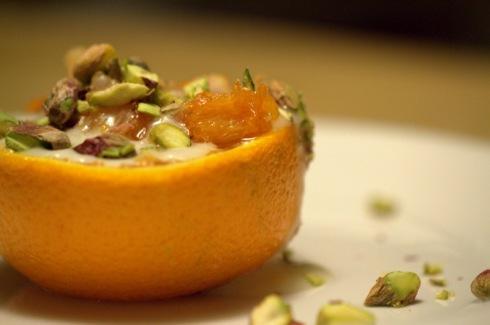 Orange, crème de pistaches, pistaches